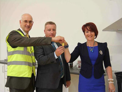 Educate Together handing over the keys to the Board of Management and Principal of Thornleigh ETNS